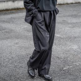 YOKE / Front Tuck Belted Wide Trousers
