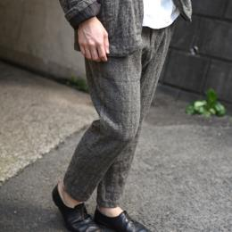 un/unbient / Classic Tweed One Tuck Trousers
